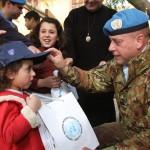 Il Cte SW consegna dono Natale a bimba libanese