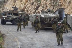 Caccia Israele colpiscono siti Hezbollah in Libano
