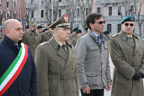 20150203_Comando Militare Puglia_Esercito Italiano_alzabandiera_un momento della cerimonia (3)