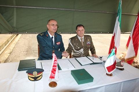 20150211_Italia dona ricambi per elicotteri e autocarri alle LAF_brigata Pinerolo_SW UNIFIL (11)