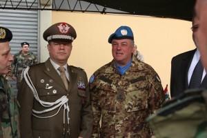 20150211_Italia dona ricambi per elicotteri e autocarri alle LAF_brigata Pinerolo_SW UNIFIL (3)