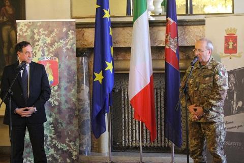 20150216_COMFOTER gen Alberto Primicerj riceve la visita del sottosegr Difesa Domenico Rossi (8)