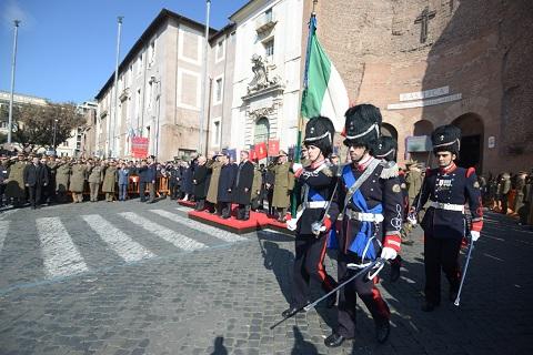 20150218_i Granatieri celebrano il Duca di San Pietro_Resa degli Onori alla Bandiera