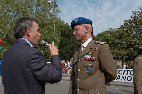 Il Generale Calligaris alla X Milia 2004