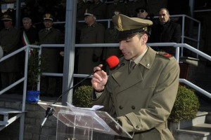 20150306_Scuola Sottufficiali_griuamento AM 17° corso_la Medaglia d'oro al valor militare Andrea Adorno