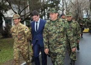 20150313_COMKFOR gen Figliuolo in Serbia per MTA Kumanovo High Level Talks (3)