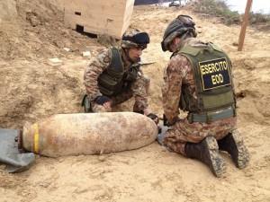20150315_artificieri Esercito Itlaiano_disinnesco ordigni_capacità dual use (1)
