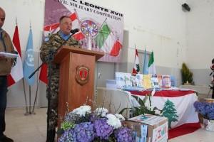 20150318_UNIFIL SW_donazione materiale scoalstico_gen Stefano Del Col_b Pinerolo (1)