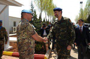 20150408_UNIFIL_il Gen Portolano saluta il Re di Spagna Filippo VI