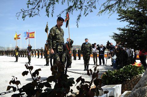 20150408_UNIFIL_il re di Spagna Filippo VI rende omaggio ai caduti
