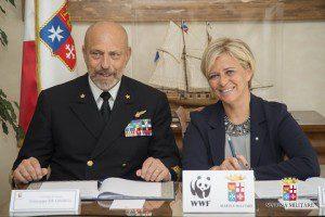 20150410_accordo Marina Militare e WWF per un Mediterraneo di qualità_amm Giuseppe De Giorgi_pres Donatella Bianchi