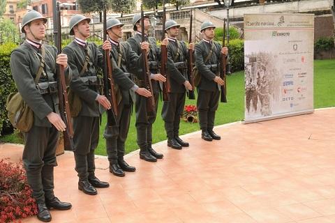Esercito - Soldati in uniforme della Prima GM