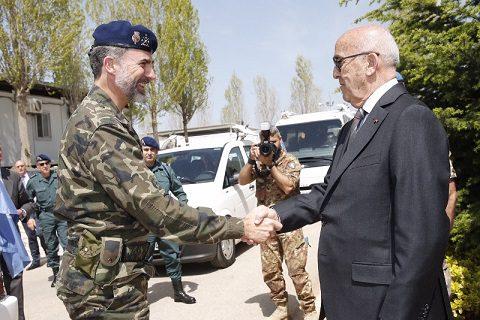 rey_viaje_libano_20150408_il re Filippo VI e il min libanese Moqbel_Ph Casa Real