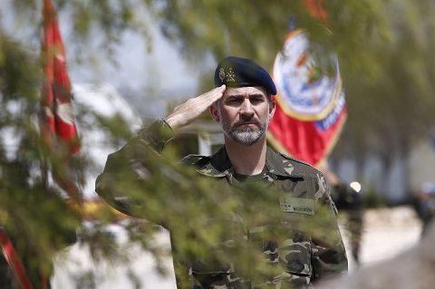 rey_viaje_libano_20150408_il re Filippo VI rende omaggio ai caduti_UNIFIL
