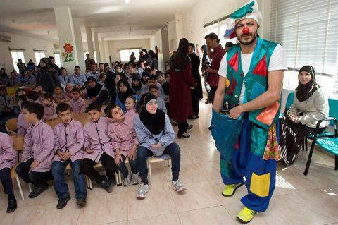 2. UNIFIL- ClownTherapy presso la Scuola per bambini con speciali bisogni educativi di AITASHAAB 01