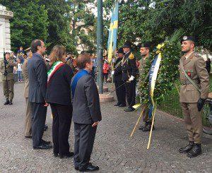 20150524_COMFOTER_Centenario Grande Guerra_DEPOSIZIONE CORONA MONUMENTO AI CADUTI