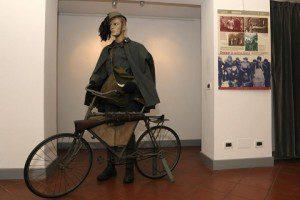 ESERCITO_il rancio del soldato_bersagliere ciclista