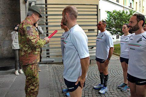 consegna del testimone da parte del Comandante delle Truppe Alpine