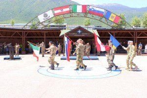 20150609_KFOR_bandiere della nazioni rappresentanti il MNBG-W