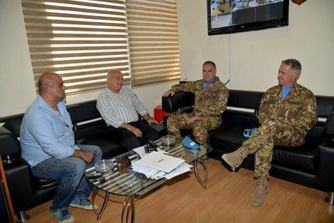 20150615_SW UNIFIL_com gen Salvatore Cuoci incontra la municipalità di Tiro_Libano (2)