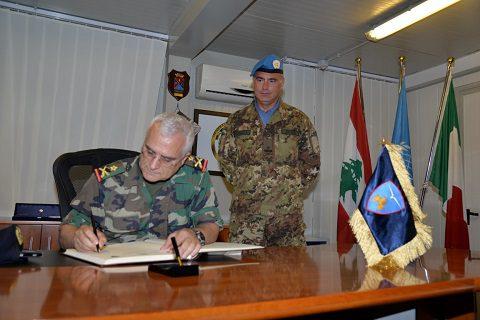 20150622_SW UNIFIL_LAF gen Charbel Abou Khalil South Litani visita SW_gen Salvatore Cuoci Esercito Italiano (4)