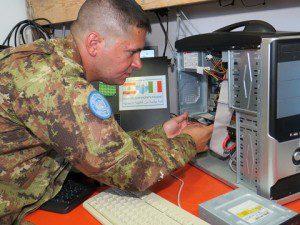 20150722_UNIFIL_ITALBATT_supporto informatico scuole_Genova Cavalleria (4°) (2)