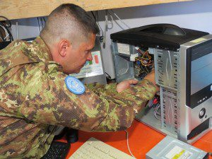 20150722_UNIFIL_ITALBATT_supporto informatico scuole_Genova Cavalleria (4°) (3)