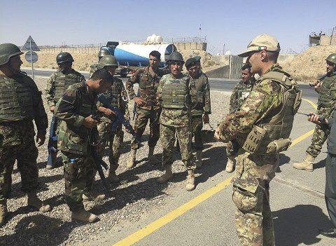 20150825_TAAC-W_Carabinieri ed Esercito addestrano forze afgane (4)