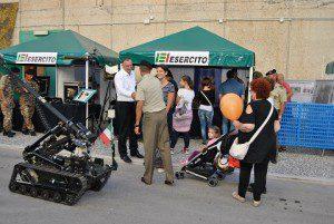 20150917_Esercito_Fiera del Levante_Bari_Pubblico allo Stand (1)