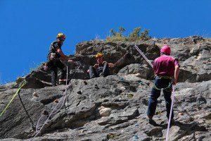 Esercito Italiano_Centro Addestramento Alpino_addestramento su parete rocciosa2 (2)
