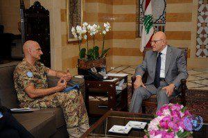 Il Generale Portolano incontra il Primo Ministro Libanese Tamam Salam