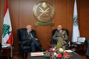Il Generale Portolano con il Ministro della Difesa Samir Moqbel