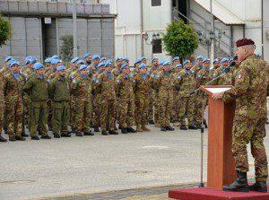 Il Generale Bertolini saluta i caschi blu italiani
