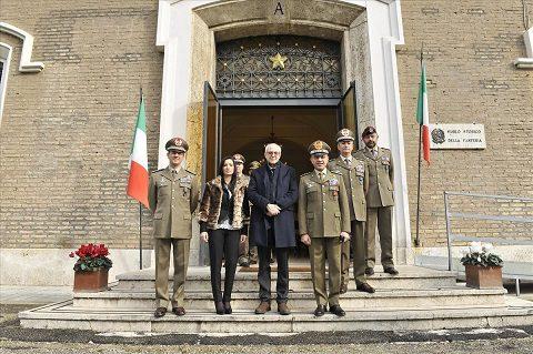 20160212_Comm Tronca alla mostra Bollettino 1268_Esercito Italiano (1)
