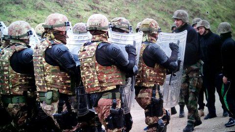 20160219_MNBGW KFOR_miliari italiani e moldavi in esercitazione FOM Detachment