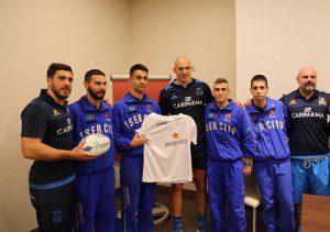 Donata la maglia dell'Esercito alla Nazionale di Rugby