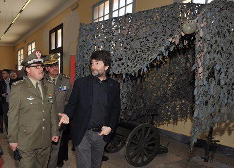 Il Ministro Franceschini con il Generale di Brigata Tornabene all'interno del Museo_1