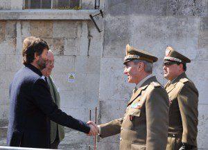 Il Ministro Franceschini saluta il Generale di Divisione Biancafarina