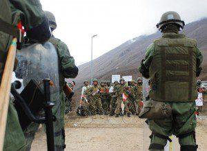 l'unità di manovra austriaca fronteggia i rivoltosi