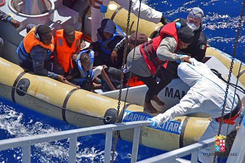 20160411_Marina Militare_Mare Sicuro_migranti (1)