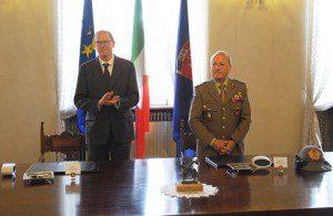 20160426_COMFOTER_UniVerona_Generale Primicerj e il Professor Sartor (2)