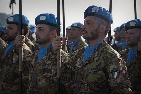 Soldati del reggimento ''Lancieri di Aosta''