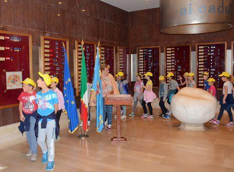 Le scolareche in visita al Sacrario della Scuola di Fanteria
