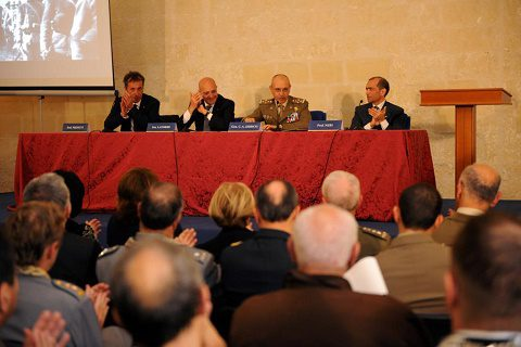Lecce 21 maggio Castello Carlo V Convegno _Contributo della Puglia nella 1^ G. M._ tavolo dei Relatori