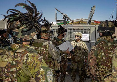 Scorta di un Generale Americano in visita al 207 corpo d'armata Afghano
