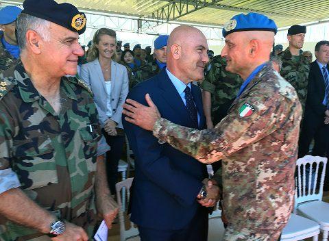 20160719_UNIFIL_cambio gen Portolano-gen Beary (1)