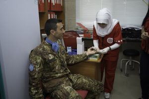 20160728_SW UNIFIL_donaizone sangue Croce Rossa Tiro_check up (1)