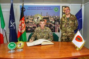 il Comandante di RS firma Albo d'Onore