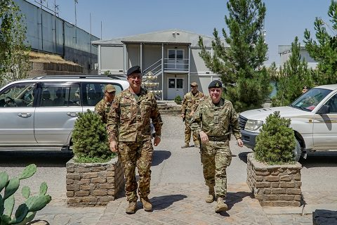 General Mirra e il LT General Sandy Storrie