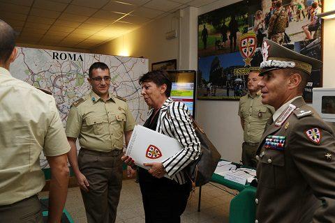 20160928_granatieri-di-sardegna_visita-del-prefetto-roma-paola-basilone-4